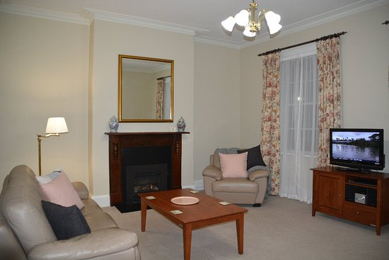 Apartments At York Mansions: Countess Lounge Room
