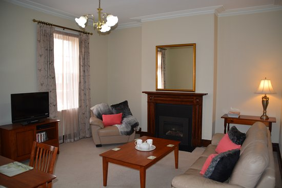 Apartments At York Mansions: Baroness Lounge Room