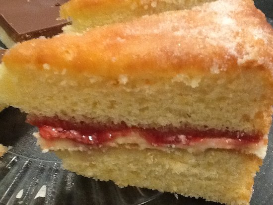 Witham, UK: Gluten free Victoria sponge