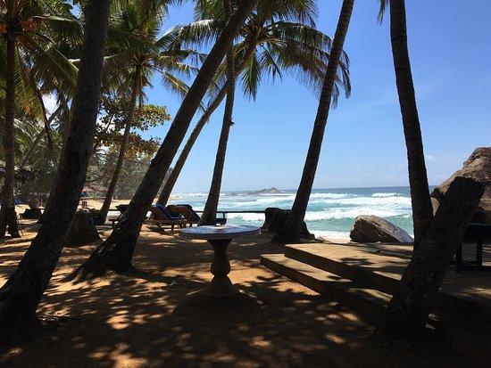 Sri Gemunu Beach Resort: photo0.jpg