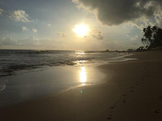 Sri Gemunu Beach Resort: photo2.jpg