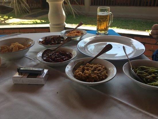 Sri Gemunu Beach Resort: photo3.jpg
