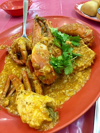 Ban Leong Wah Hoe Seafood: Chilli crab(Sri Lankan crab-1kg) and Steamed Soon Hock Fish in HK sauce.