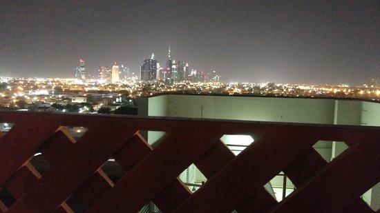 Citymax Hotels Bur Dubai: Downtown Dubai View from the terrace/pool