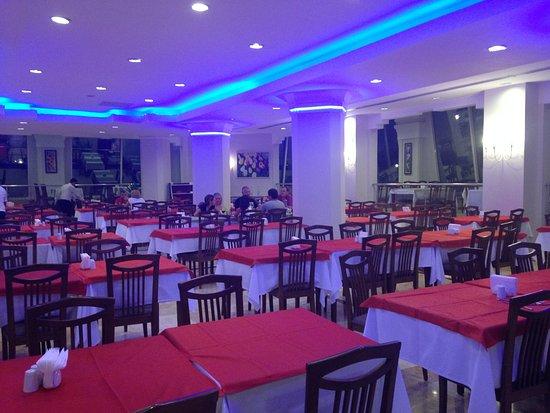 Camyuva, تركيا: Внутренний зал ресторана
