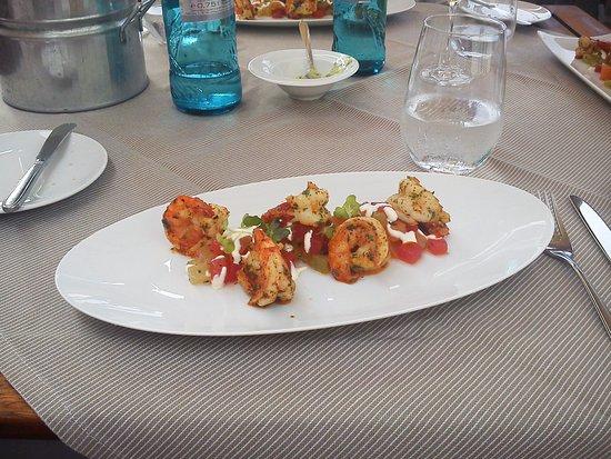 Jagd Hotel Rose: Essen auf der Terrasse