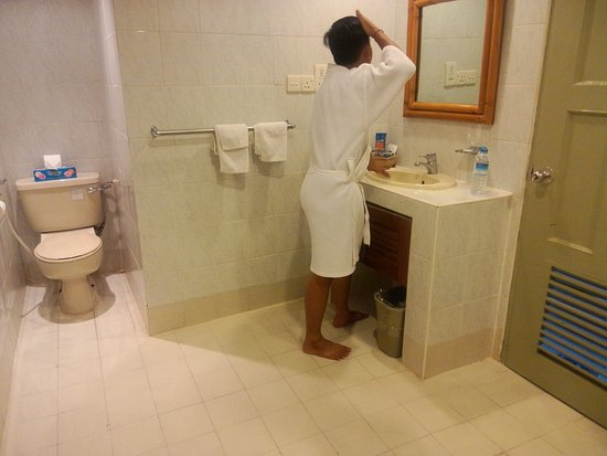 Mandalay Swan Hotel: IMG20161011150022_large.jpg