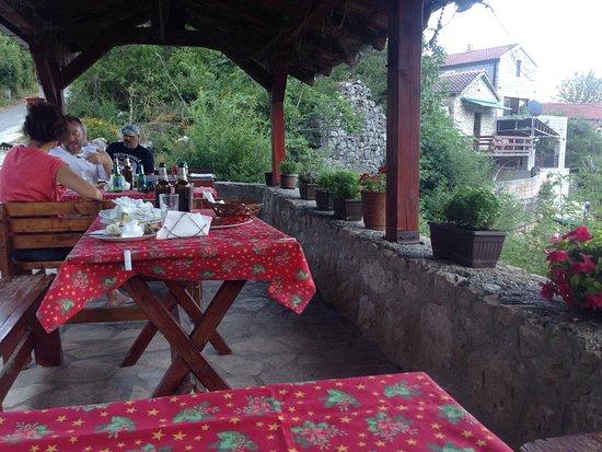 Karuc, Montenegro: Konoba Cudo Nevideno