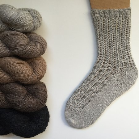 Кристиансбург, Вирджиния: Beautiful Alpaca blended with a touch of Nylon to make it ready for special sock.