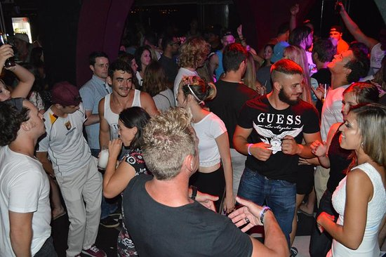 Hermanus, South Africa: Night Club time