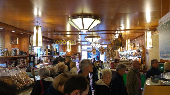 Tamburini : Part of the queue and the shop.