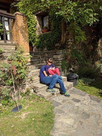 Borreda, สเปน: Jardín delantero