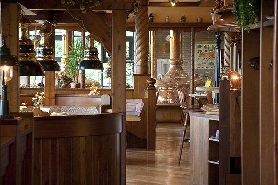 Lauenau, ألمانيا: Unser Restaurant direkt am Suhaus der Brauerei im Nichtraucherbereich