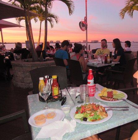 North Bay Village, FL: Wahnsinns Ausblick und gutes Essen!!