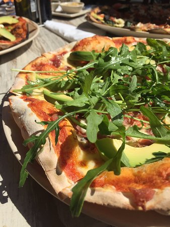 Wilderness, Sudáfrica: Amore Pizza with extra rocket & Avo