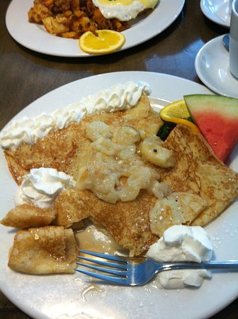 "Massey, Canadá: pear crepe ""special of the morning"""
