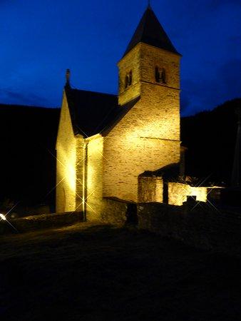 Hotel de la Sure : Up at the ruins at night