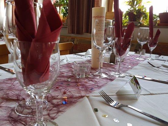 Mainburg, Alemania: Sehr schönen Tisch-Set