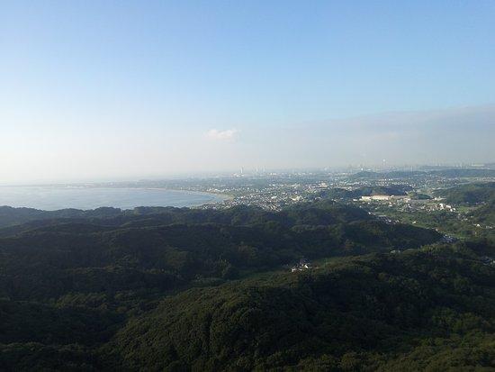 Futtsu, Giappone: 東京湾観音からの眺望・周辺の丘陵と東京湾
