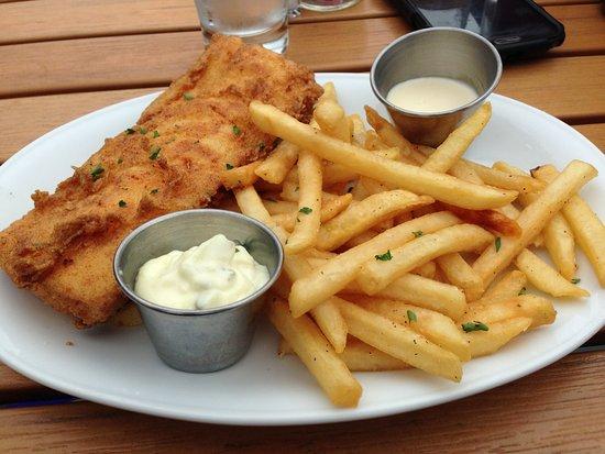 Stonington, CT: fish and chips