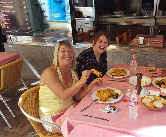 Pero aun as que pinta tiene fotograf a de restaurante marisquer a c rdoba benidorm - Restaurante el puerto benidorm ...