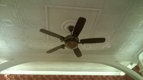 British Type Old Fashioned Ceiling Fan
