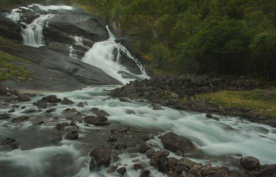 Kinsarvik, Noorwegen: First waterfall