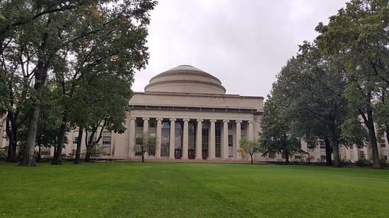 ‪Trademark Tour of MIT‬