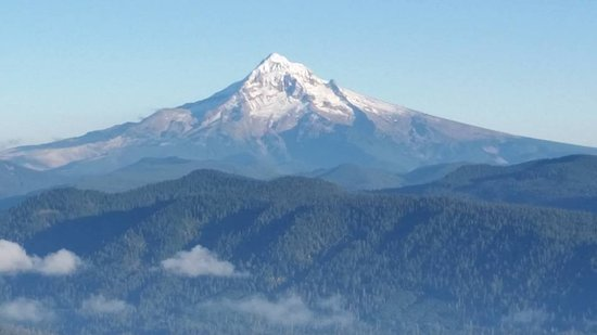 Corbett, Oregón: Mt. Hood is just one of five mountains visible on a clear day!