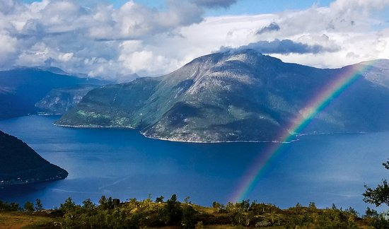 Kinsarvik, Noorwegen: Nearby Queen's Trail