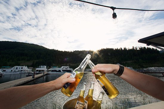 Sicamous, Canadá: Cheers!