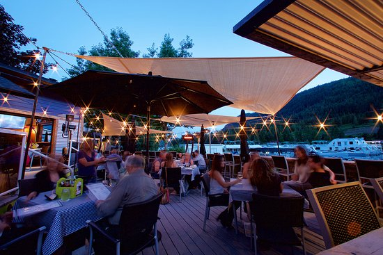 Sicamous, Kanada: Bahama Johns Patio