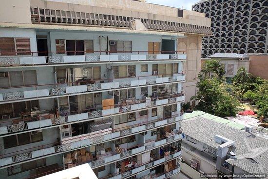 Shoreline Hotel Waikiki: tenement view