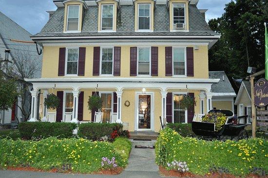 Chester, Vermont: Beautiful exterior