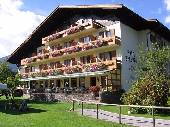 Photo of Golfhotel Berghof Berg Im Drautal