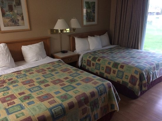 Okanagan Seasons Resort: Our large room