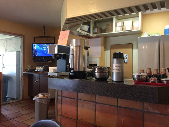Okanagan Seasons Resort: Small breakfast facility