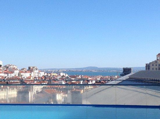 VIP Executive Éden Aparthotel: Vista do terraço do hotel
