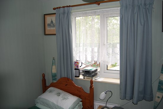 Bilston, UK: Single Bed Room