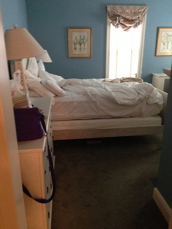 Inn at Stonington: bed