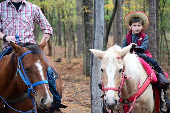 Oklahoma: Riders on the Trail: Beavers Bend Depot & Stables. Photo by Kim Baker.