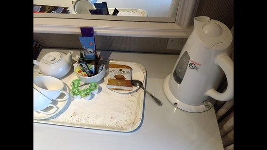Llanddeiniolen, UK: Dirty Travelodge