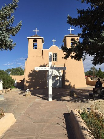 Ranchos De Taos, นิวเม็กซิโก: This Mission is one of the oldest in the nation. St Francis of Asis.