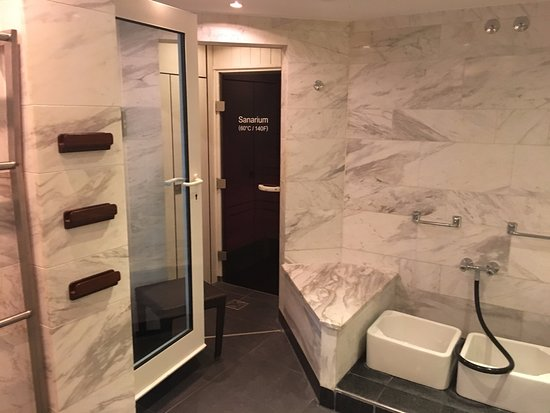 Nice Business Hotel in the Heart of Frankfurt