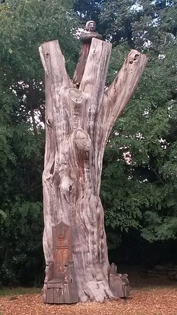 Fulham Palace: plenty of wood carvings for little ones to discover in the woods