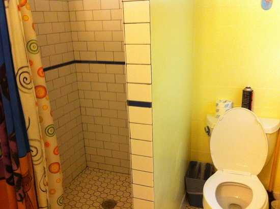 Angelina Guest House: Shared Bath