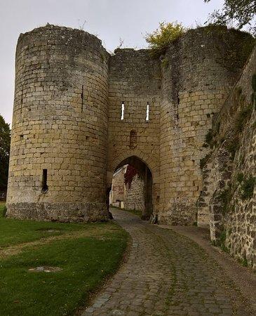 Laon, France : La Porte de Soissons