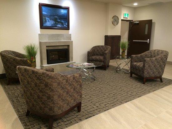 Macklin, แคนาดา: Hotel Lobby
