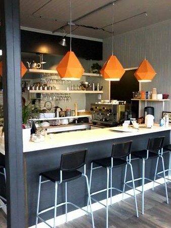 Comptoir bar de La Chope - Picture of La Chope a Soupe, Bonaventure ...