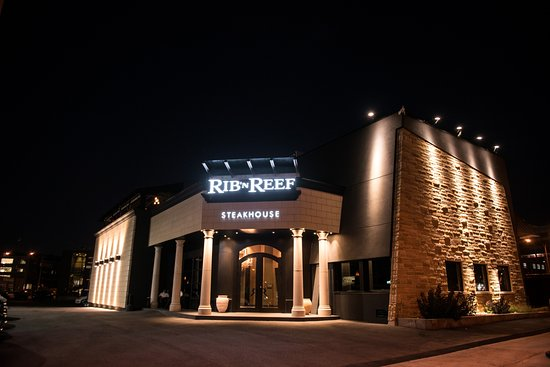 Rib'n Reef Steakhouse & Cigar Lounge